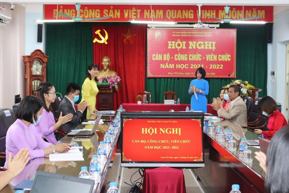 """<a href=""""/tin-hoat-dong-khac/hoi-nghi-cb-cc-vc-nam-hoc-2021-2022-tap-the-truong-thcs-nam-tu-liem-chu-trong-n/ct/1901/9166"""">Hội nghị CB-CC-VC năm học 2021-2022 - Tập thể trường<span class=bacham>...</span></a>"""