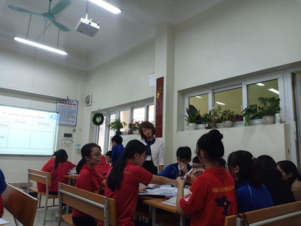 """TỔ KHXH sinh hoạt chuyên đề """"Phát triển năng lực học sinh qua dạy học tiếng Việt"""""""
