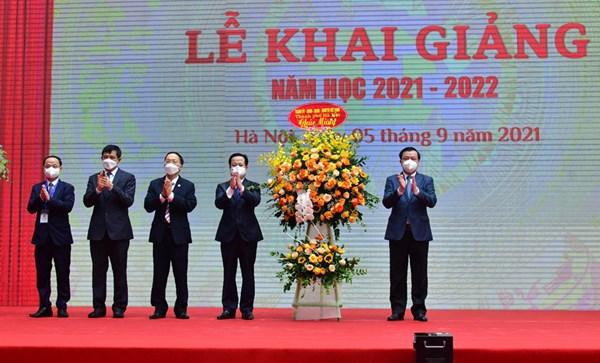 Học sinh hân hoan dự lễ khai giảng năm học mới đặc biệt ở Hà Nội