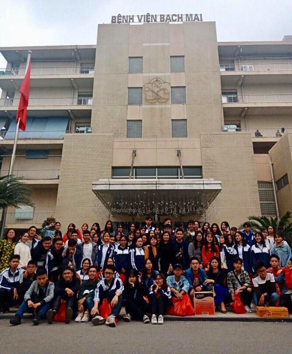 Bánh Chưng xanh, xanh tấm lòng thiện nguyện của học trò  THPT Lê Quý Đôn – Đống Đa